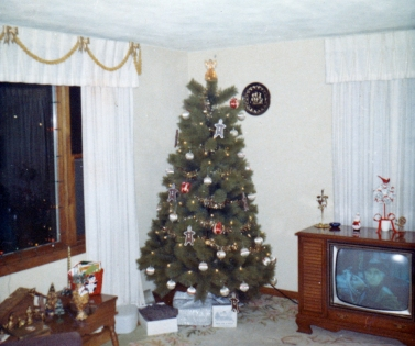 Christmas in the living room, 1968